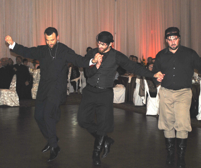 Αγάπη, Δυνατή Υποστήριξη και Πολύς Κόσμος στην Ετήσια Χοροεσπερίδα της Κοινότητας του Ιερού Ναού Αγίου Νικολάου
