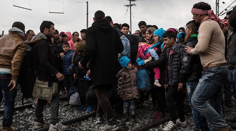 Προσφυγικό: «Βουλιάζουν» ξανά τα νησιά