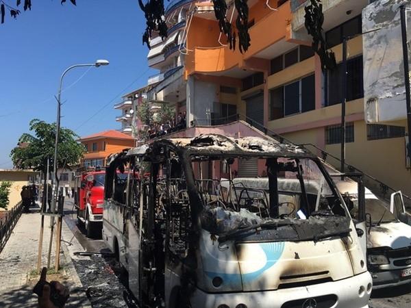 Δύο νεκροί από φωτιά σε λεωφορείο με ομογενείς στην Αλβανία